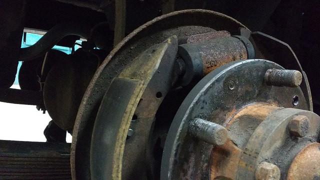109 leaking wheel cylinder