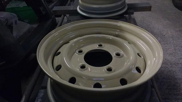 limestone-wolf-wheel